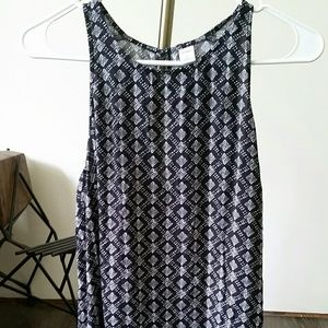 Medium Old Navy black and white tank top